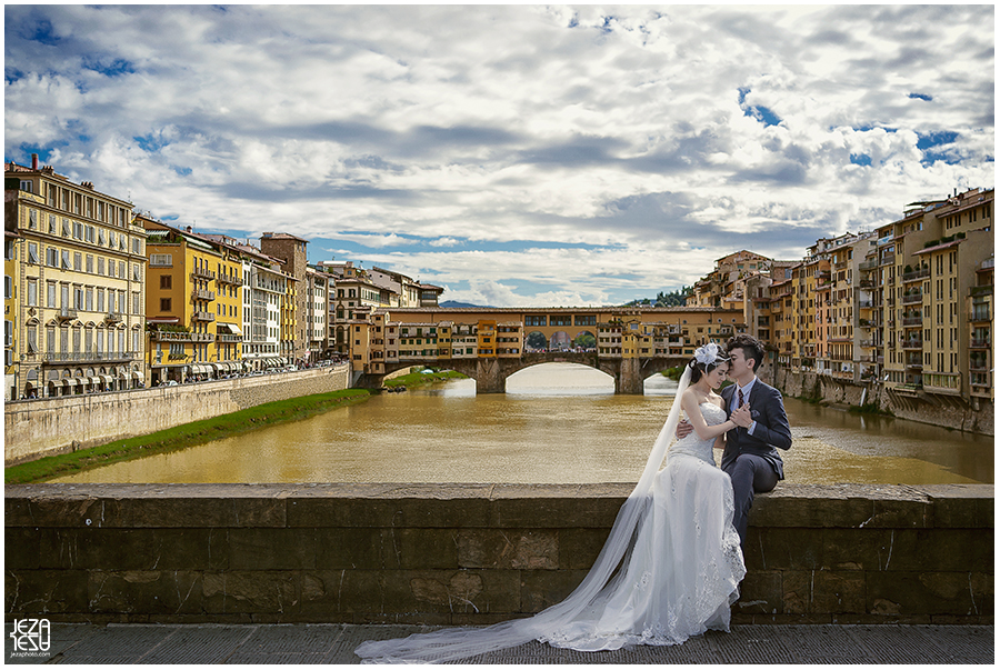 Florence, italy Pre-Wedding on Ponte Vecchio